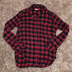 Hollister flannel in a size medium